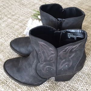 Bke sole boots